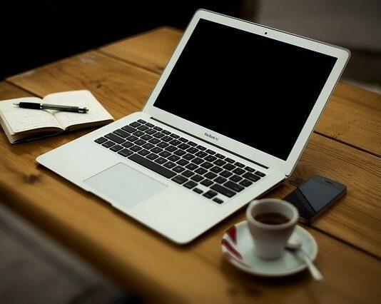 Jak włączyć klawiaturę w laptopie?