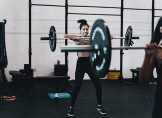 trening na siłowni, trening dla kobiet, błędy treningowe, trening dla początkujących, trening na redukcji, trening na pośladki, trening pośladków, trening nóg