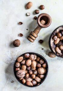 orzechy, orzechy włoskie, migdały, orzechy laskowe, czy orzechy są zdrowe, orzechy kalorie, ile kalorii mają orzechy