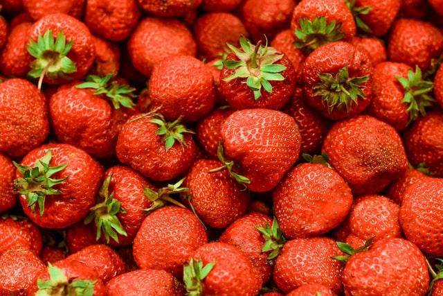 owoce, czy owoce są zdrowe, czy można jeść owoce na diecie, czy owoce tuczą, owoce wartość odżywcza